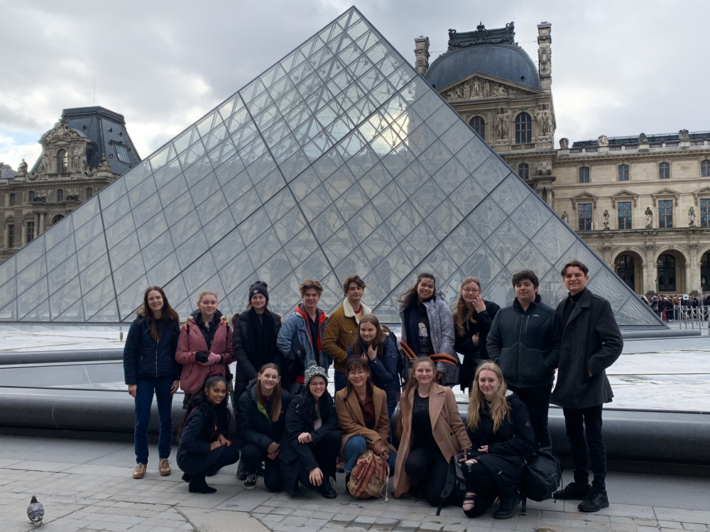 educational student tour Louvre